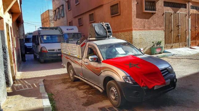 في عز رمضان .. السلطات المحلية بحي ازرو تواصل عملية التحسيس بخطورة فيروس كورونا