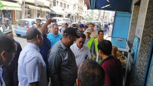 الدشيرة : قائدي المقاطعين يباشران عمليات تحرير الملك العمومي
