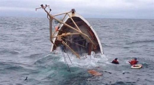 غرق قارب للصيد الساحلي على متنه 11 بحارا بساحل أكادير