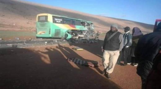 عاجل … 7 قتلى في حادث اصطدام حافلة للمسافرين وشاحنة بضواحي كلميم