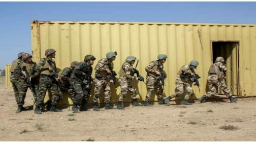 """تمارين حربية بين """" المارينز """" و القوات المغربية في إنزكان"""