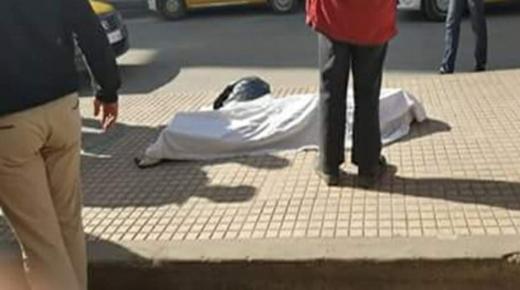 وفاة غامضة لمواطن بالشارع العام في بيوكرى