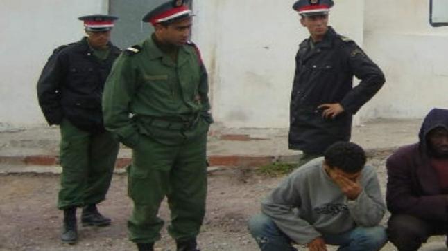 توقيف شاب رفض الإنصياع لأوامر السلطات في سيدي بيبي