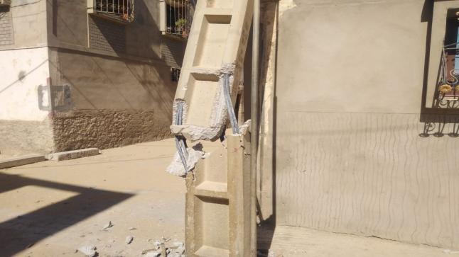 شاحنة تصطدم بعمود كهربائي بحي الشنينات أولاد تايمة