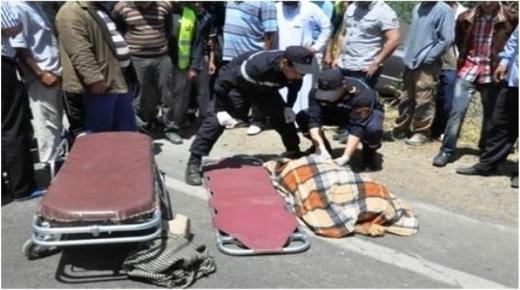 تهور سائق شاحنة يودي بحياة شاب في سيدي بيبي