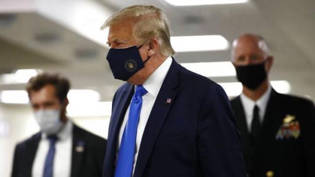 ترامب غادر البيت الأبيض متوجها إلى المستشفى العسكري حيث سيتلقى العلاج