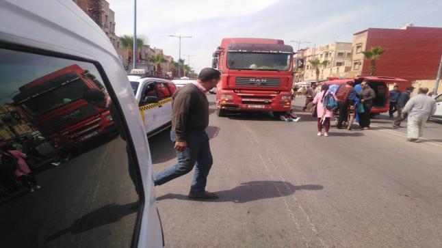 شاحنة رموك تقتل دراجا وتعطب آخر في آيت ملول