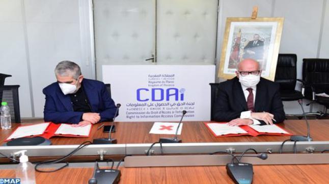 الحق في الحصول على المعلومات: توقيع اتفاقية شراكة بين لجنة الحق في الحصول على المعلومات ومجلس الجالية المغربية بالخارج
