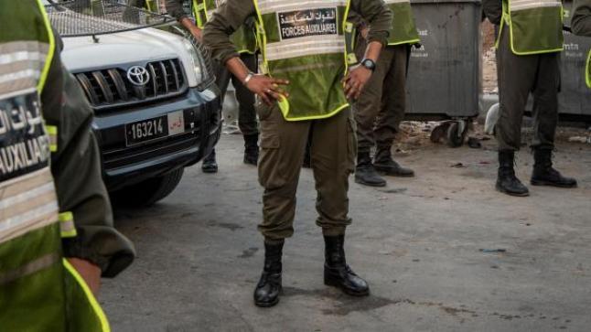 حقيقة قيام 4 عناصر من القوات المساعدة بعملية للهجرة غير المشروعة إلى مدينة سبتة المحتلة .