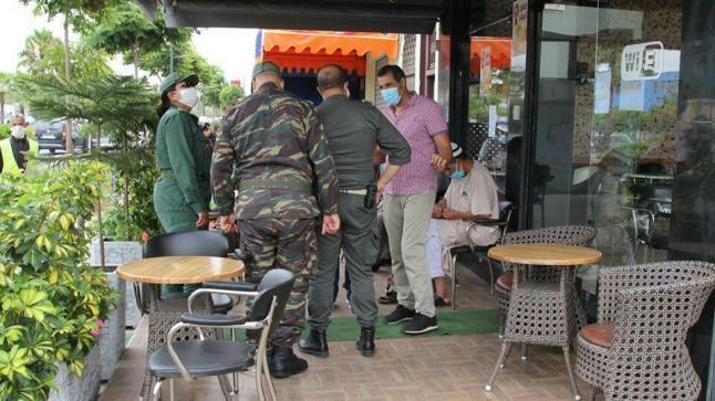 """خرق حالة """" الطواريء """" تغلق مقهى في سيدي بيبي"""
